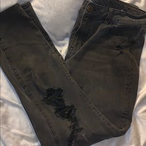 🦅 AEO black distressed jegging